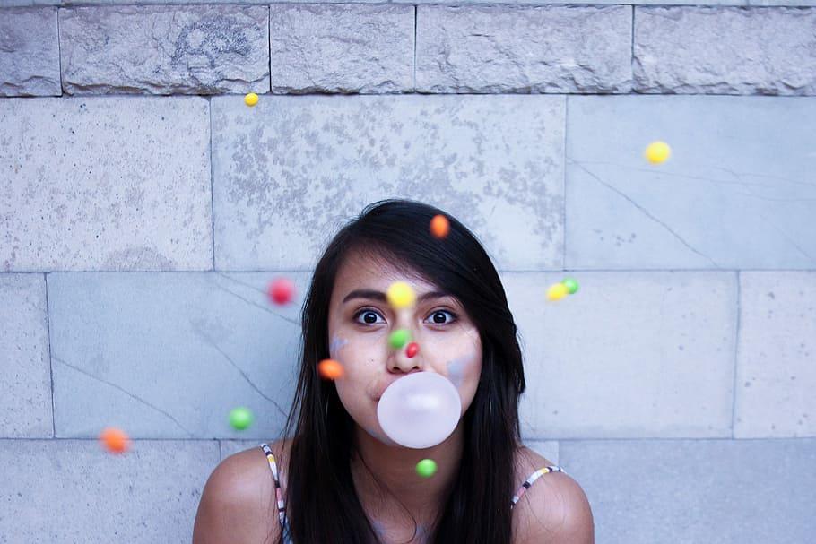 portrait girl candy bubble1