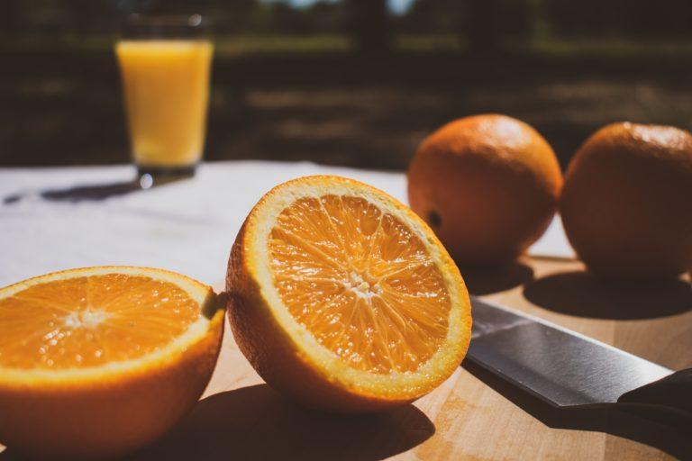 Why You Shouldn't Drink Orange Juice In The Morning? orange juice